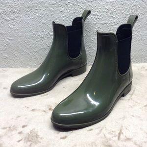 J crew Chelsea ankle rain boots 8